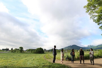 """""""所有""""から""""共有""""の時代へ。臼井健二さんが「足る足る号」で叶えた、自立型のミニマムな暮らしを体験してきました!"""