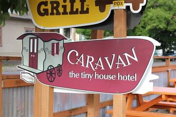 新婚旅行のホテルがタイニーハウス!? greenz peopleがポートランドで出会った完璧すぎるタイニーハウスホテルをレポート!