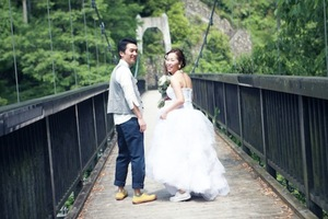 結婚式を手づくりすることで、暮らしや消費について再発見していく。「H.O.W」柿原優紀さんに聞く、新しい結婚式のかたち [DIYウェディング見本帖]