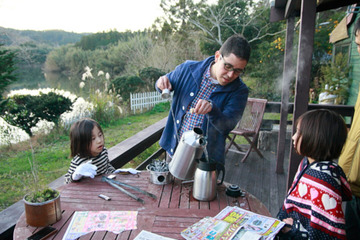 """""""自分で作る""""は意外と簡単!グリーンズ発行人・鈴木菜央に聞く、自然を感じながら遊ぶ暮らし"""