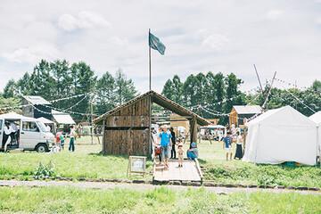 小屋って、たのしさでできてる。避暑地で小屋を巡る夏フェス「小屋フェス」から見える、新しい生きかた