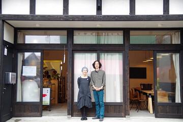 """東京ときどき新潟。都市の暮らしを捨てずに、ふたつの地元を持とう!  """"ダブルローカル""""を提唱する、越後妻有の民家をリノベーションして生まれた カフェ&ドミトリー「山ノ家」"""