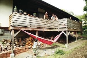 葉山の自然に親しむ築50年の家で子育てと仲間との交流を満喫