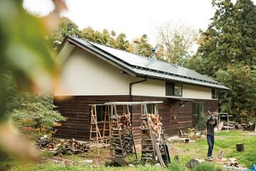 材料入手から施工、追加工事まで。自らつくり、育てる家