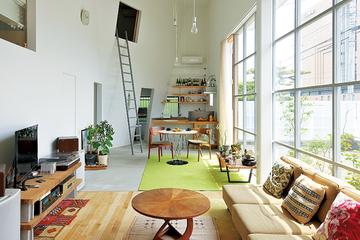 元倉庫を住居にリノベーション。遊び場満載のロフトスタイルな家