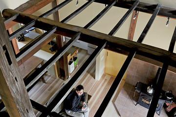 新旧の素材と技術を融合し、昔ながらの日本家屋を再生