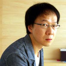 ブルーデザインのプロフィール写真