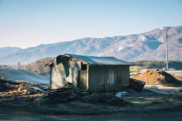 """小屋には、""""その人らしさ""""が現れる。スピリタス徳永青樹に聞く、小屋づくりから見えてくるもの"""
