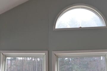 穴だらけの壁にペンキを塗ったら、トレーラーハウスがおしゃれに変貌。|増村江利子のDIY的八ヶ岳暮らし