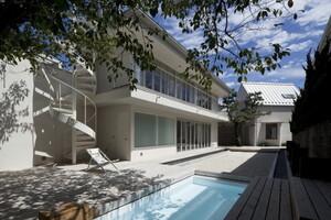 暑—い夏に、ひんやり、涼やか!プールのある家のアイデア5選