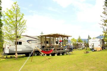 次の週末は、トレーラーハウスに泊まりに行く!非日常を満喫できる、東京近郊のキャンプ場6選
