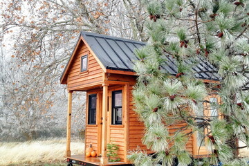 """""""タイニーハウス""""って何?移動も自作も可能な小さな家の魅力とは?"""