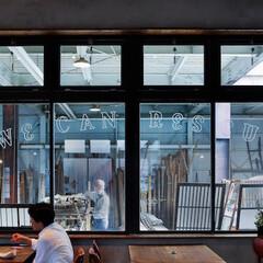 カフェのある古材店「リビルディングセンター」が伝えたい...