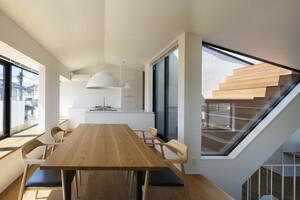 スキップフロアってどんな家?開放的な空間ができる家づくりのメリット・デメリット
