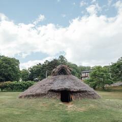 """縄文時代の""""竪穴住居""""を知れば、火と水、土との暮らしか..."""