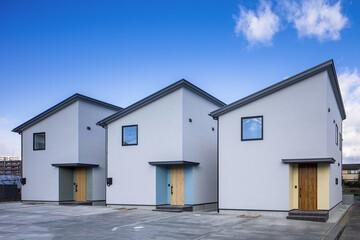 新築に、「あなたらしさ」を。古材で空間をプロデュースするスペシャリスト、植松和典さんと「casa」が生み出したデザイン住宅「casa rozzo」