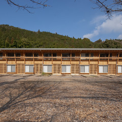 建築家・塚本由晴さんに聞く、「木」の街並みづくり