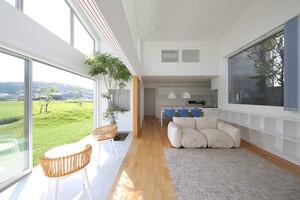 明るく開放的!吹き抜けがある住まいの建築事例6選