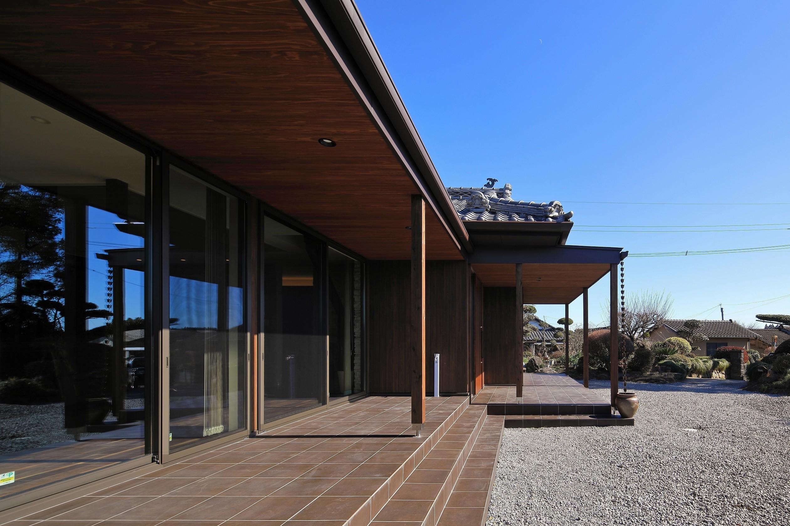 新築を超える古民家リノベーションの建築事例写真