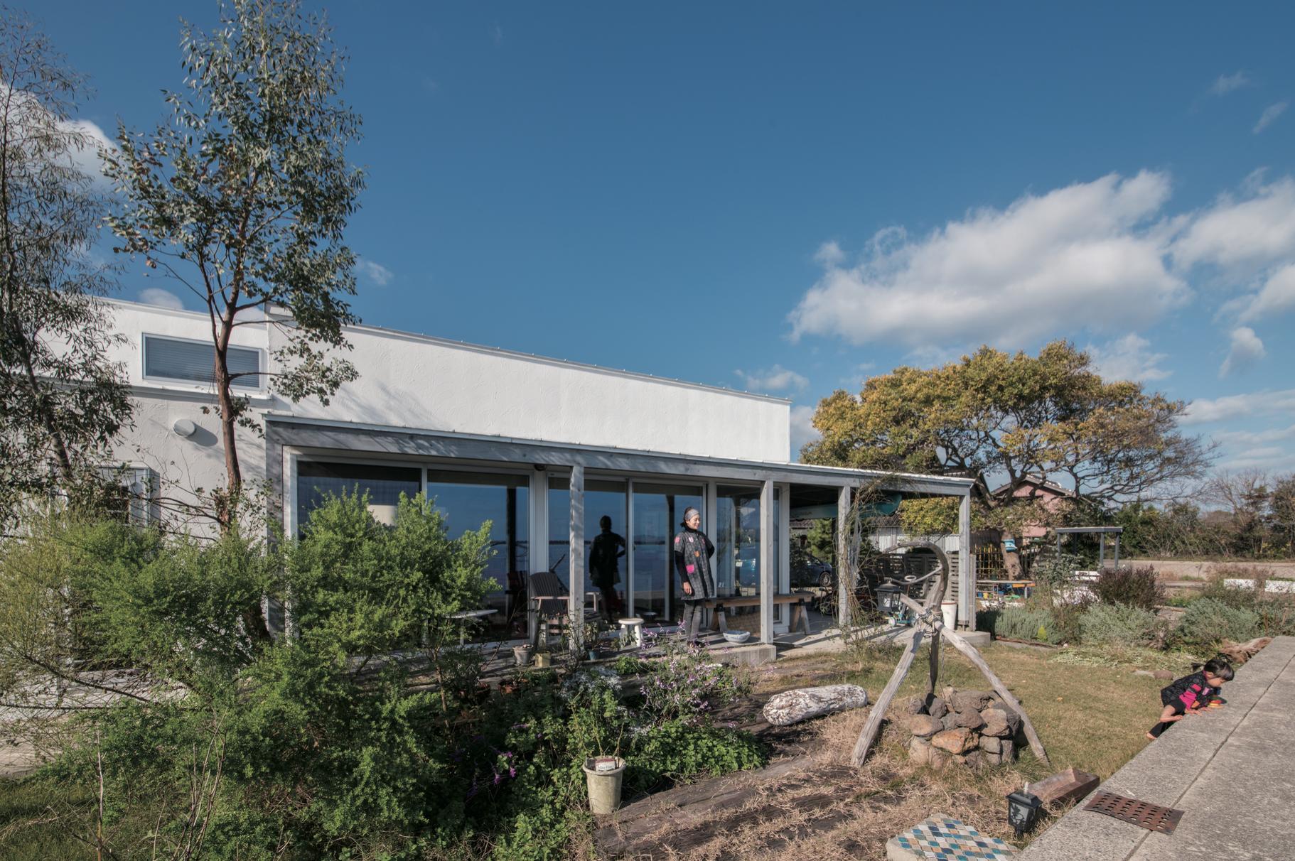 海辺の家/外断熱+壁内充填断熱(30坪、3LDK)の建築事例写真