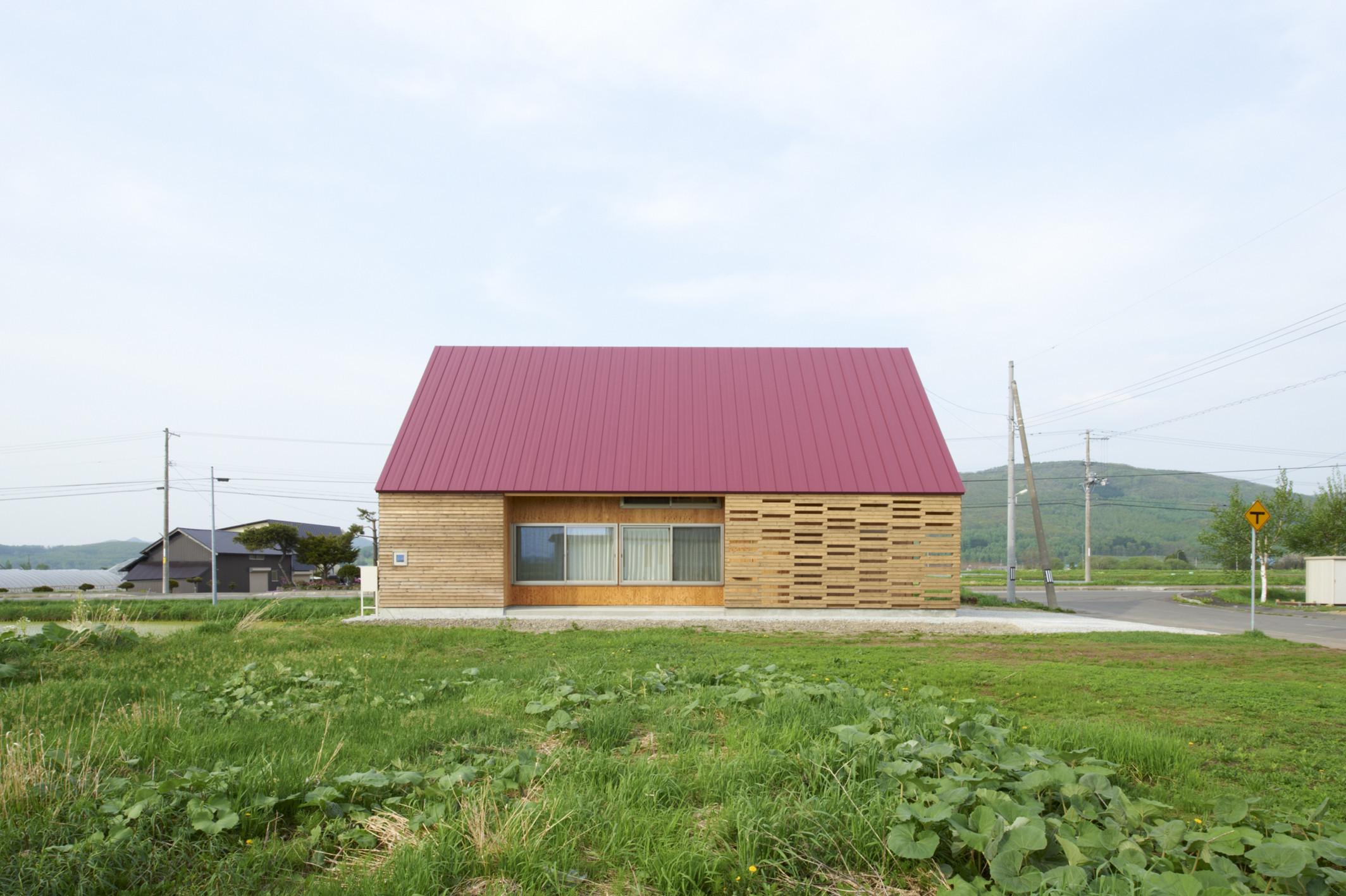 東川の家 北海道、大雪山の湧水に恵まれたアトリエ兼住宅の建築事例写真