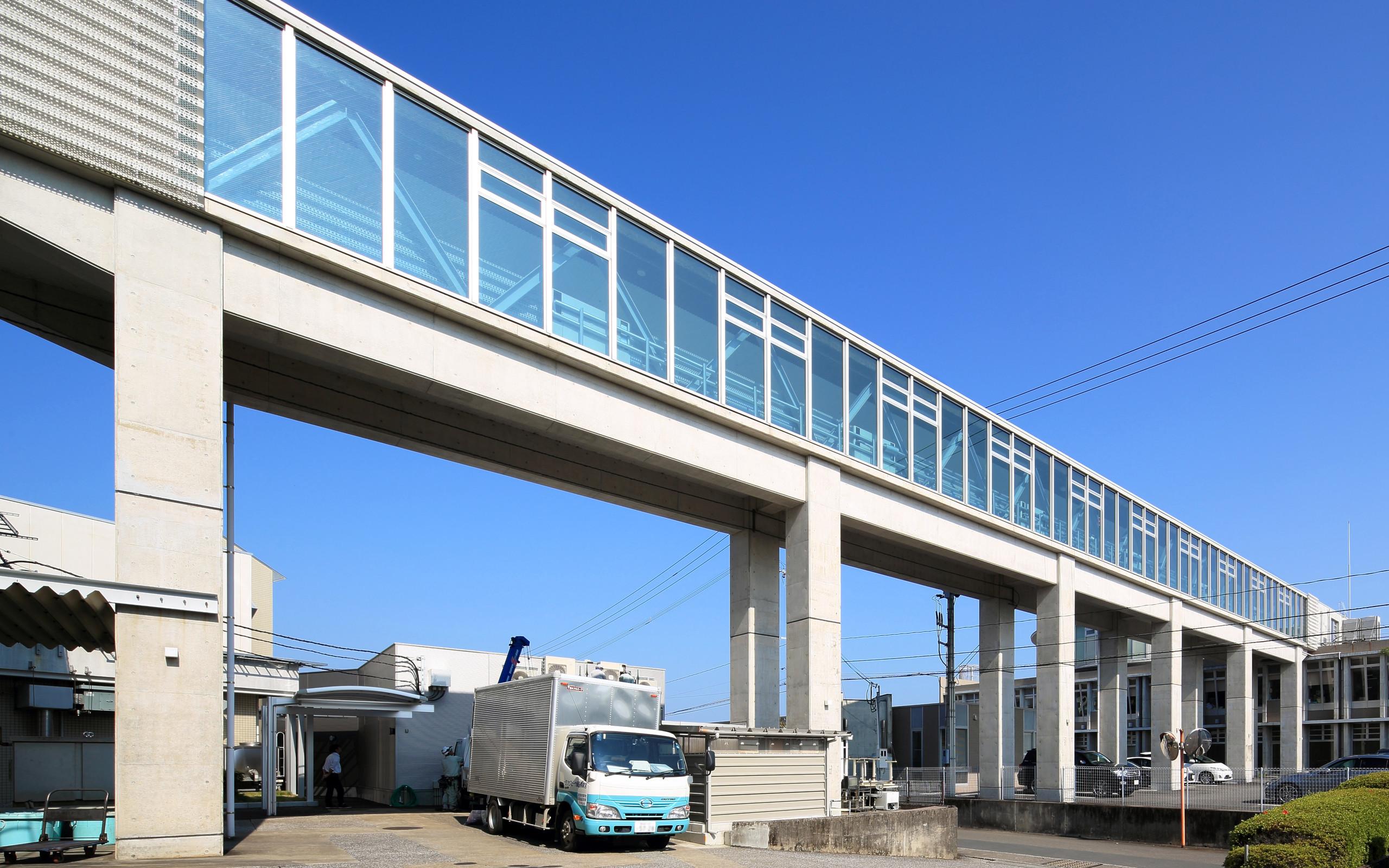 眺めのいい渡り廊下の建築事例写真