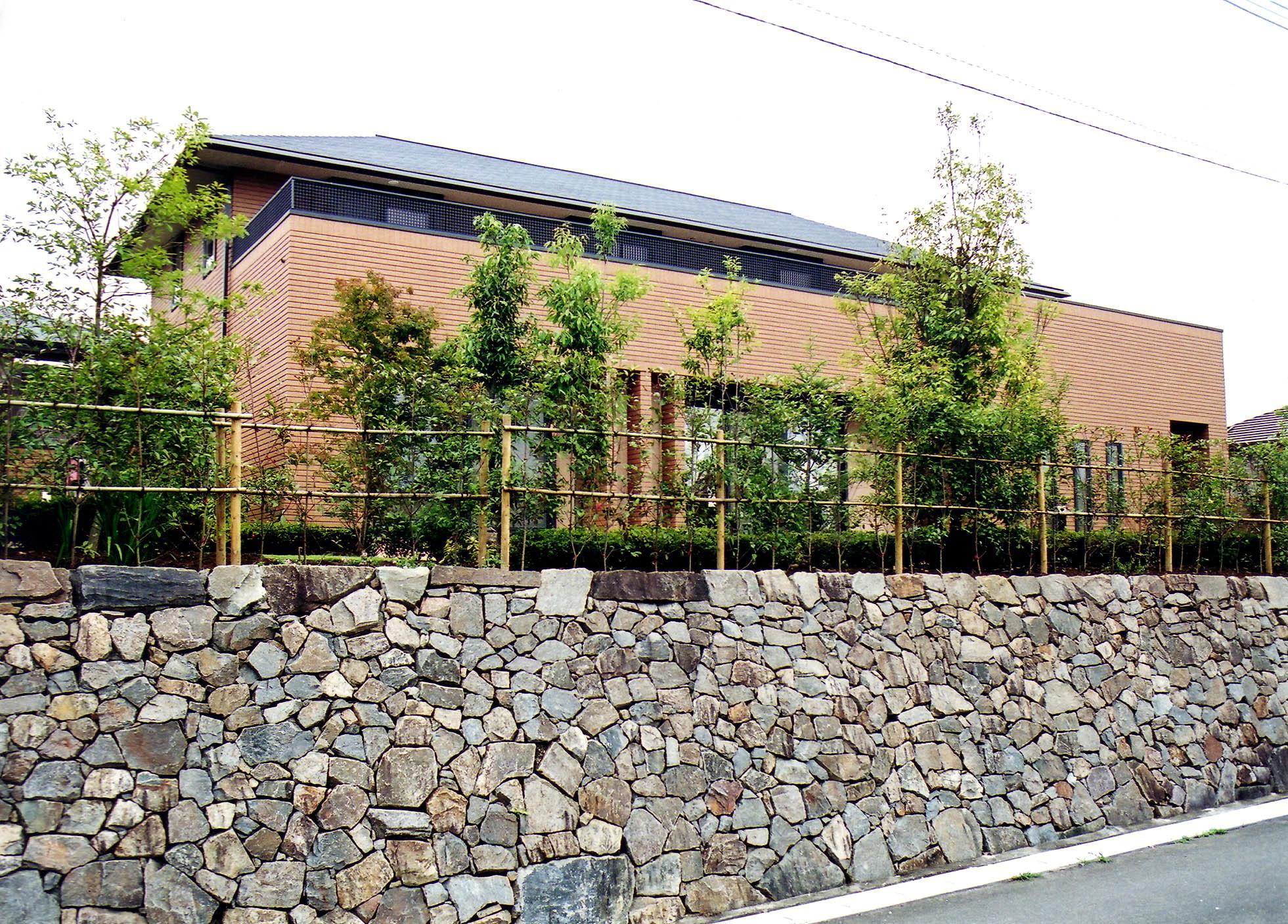 「庭園×住宅」: 庭とくらす住まいの建築事例写真