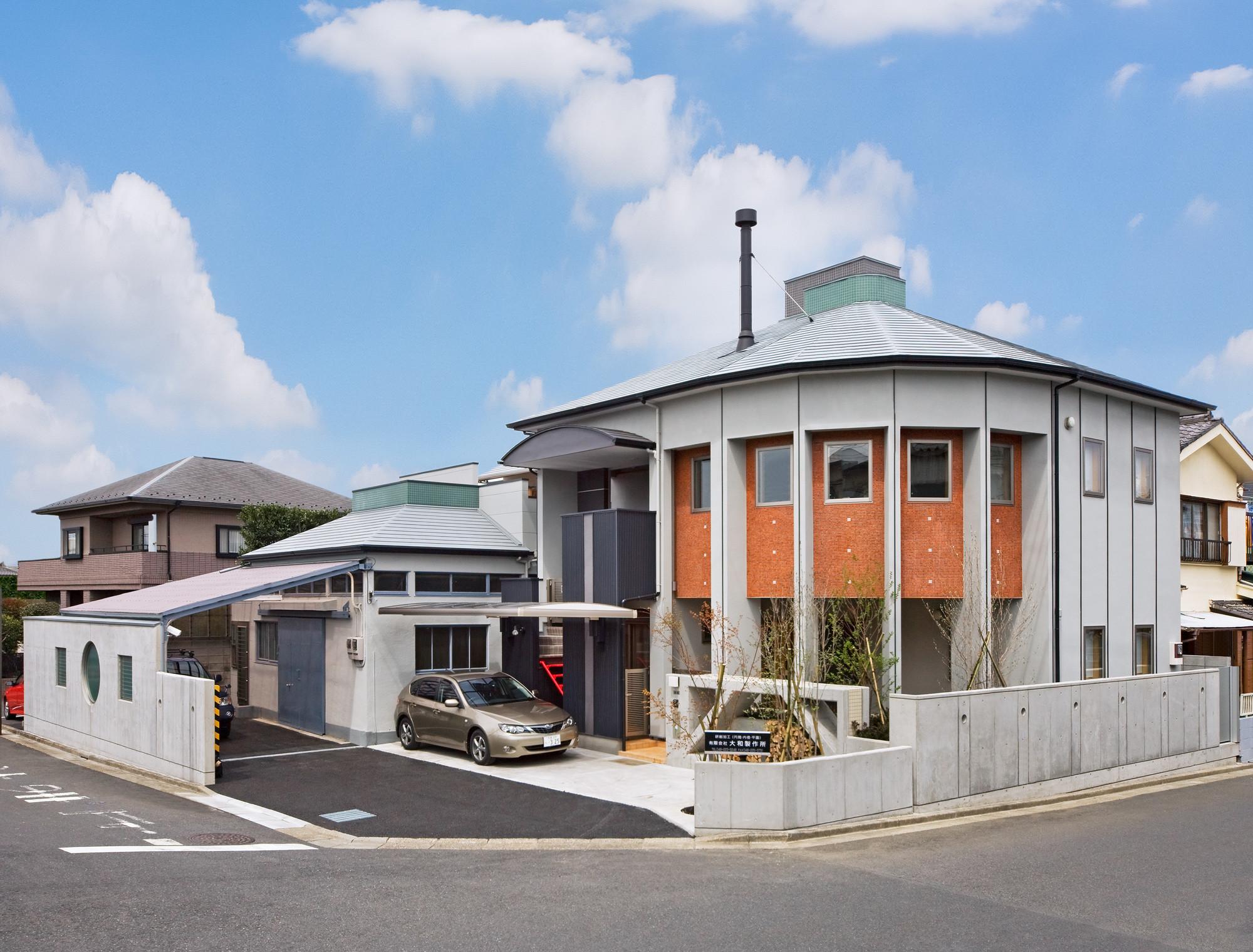 職住近接の暮らし (既存減築工場+新築住宅) 2階リビングの建築事例写真