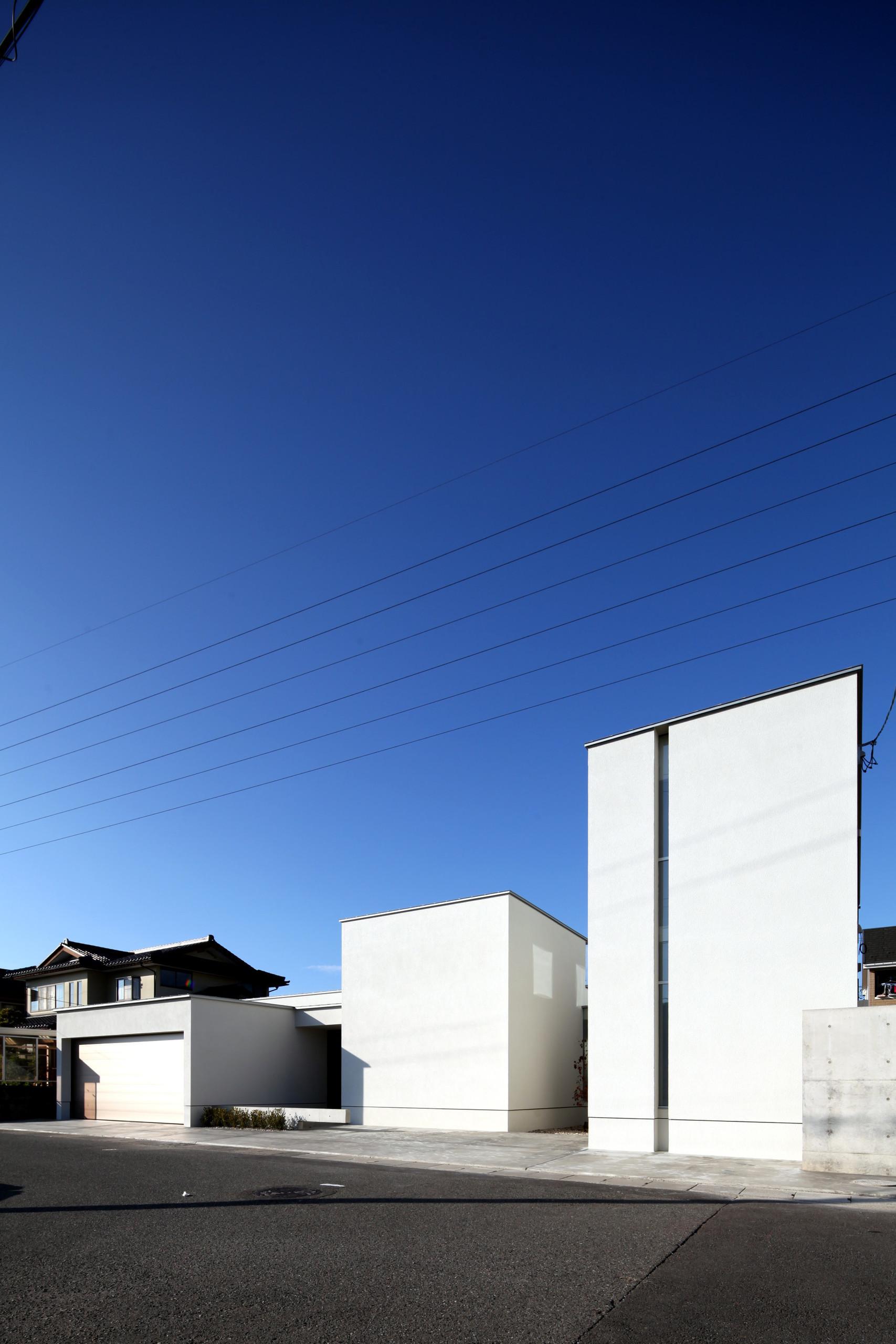 分散されたボリュームによって街に明るさを与えます。 | 月栖の家(つきすみのいえ)~プライバシーと街並みの両立~