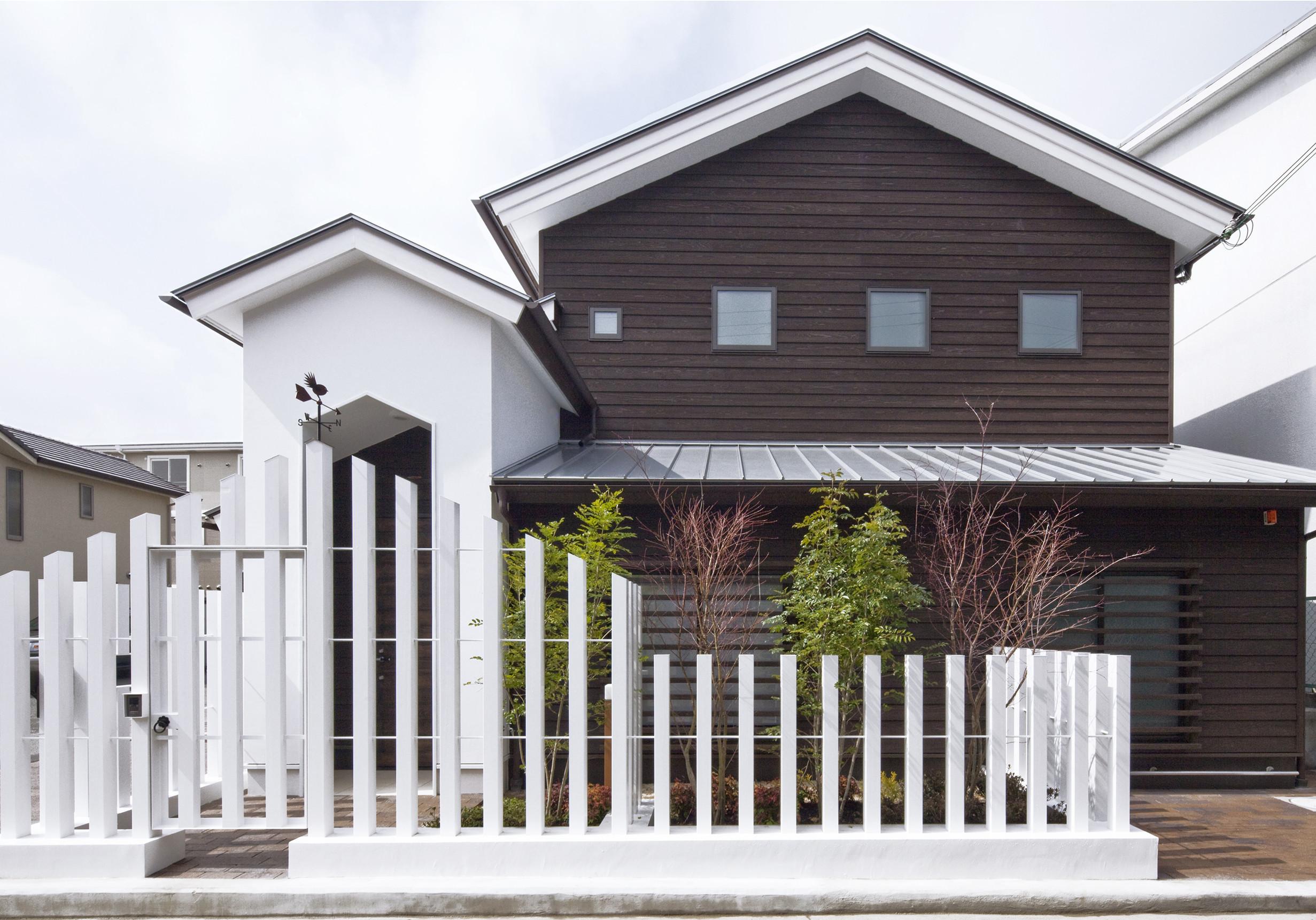 八尾ウグイスの家、庭、大開口、杉板下見張、広いテラス、ロフトの建築事例写真
