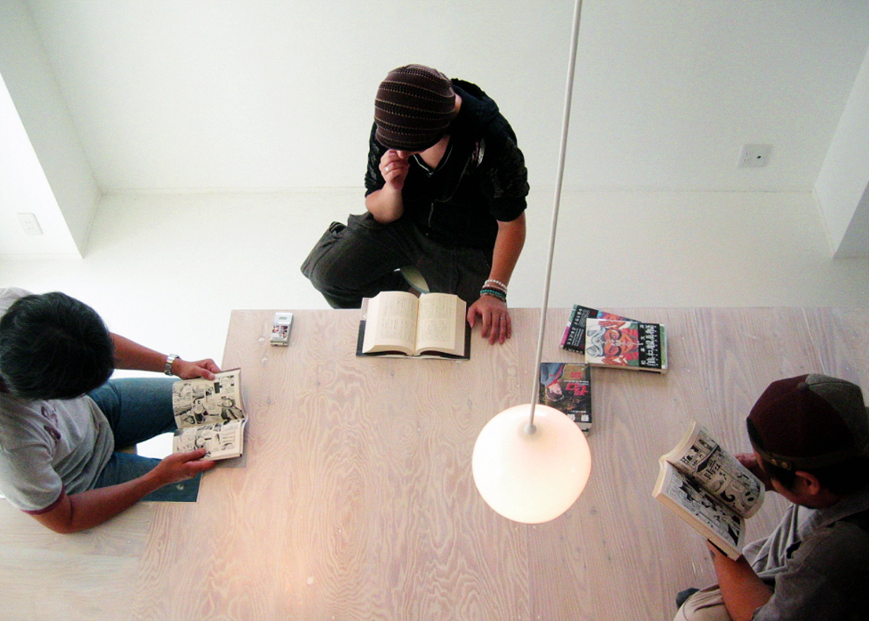 撮影 © COTOCO | i table
