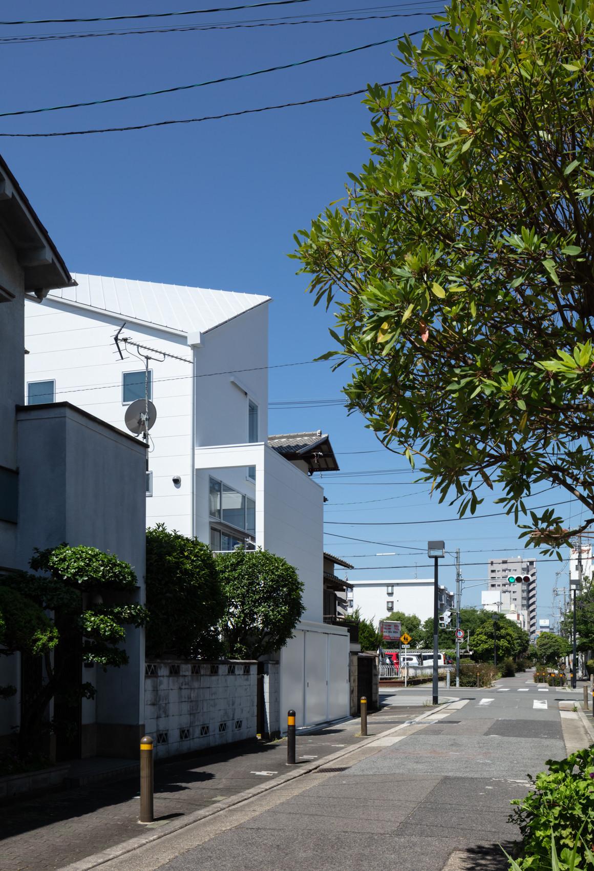 外観(北東より見る)   長居東の住宅