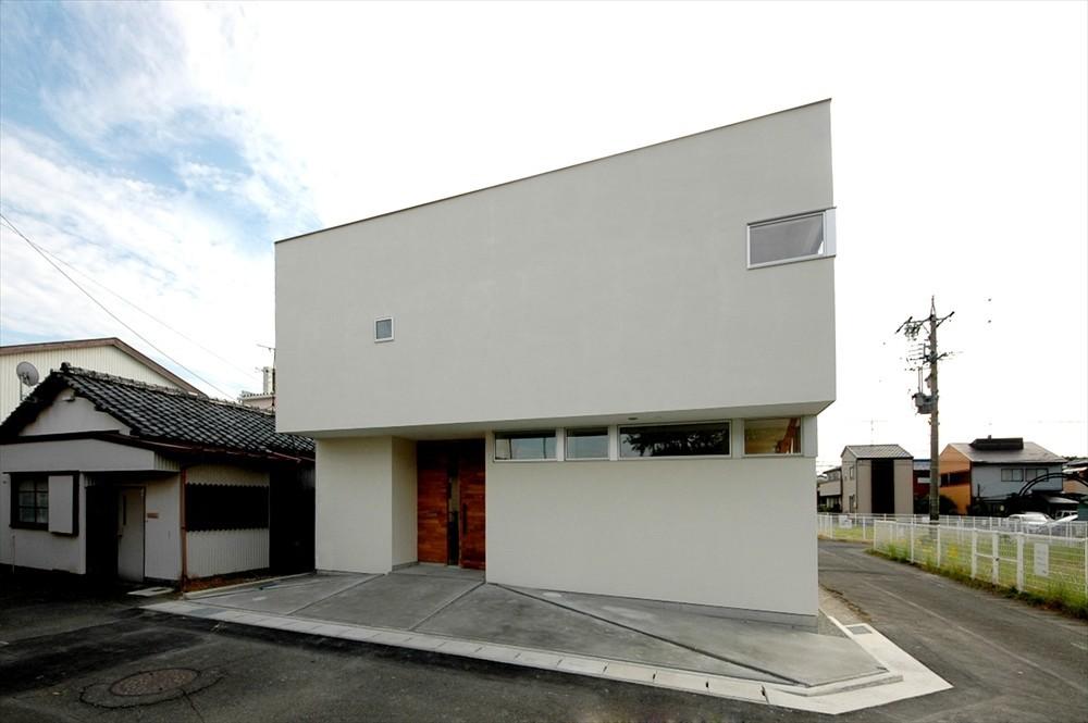 街中の狭小地ハウスの建築事例写真