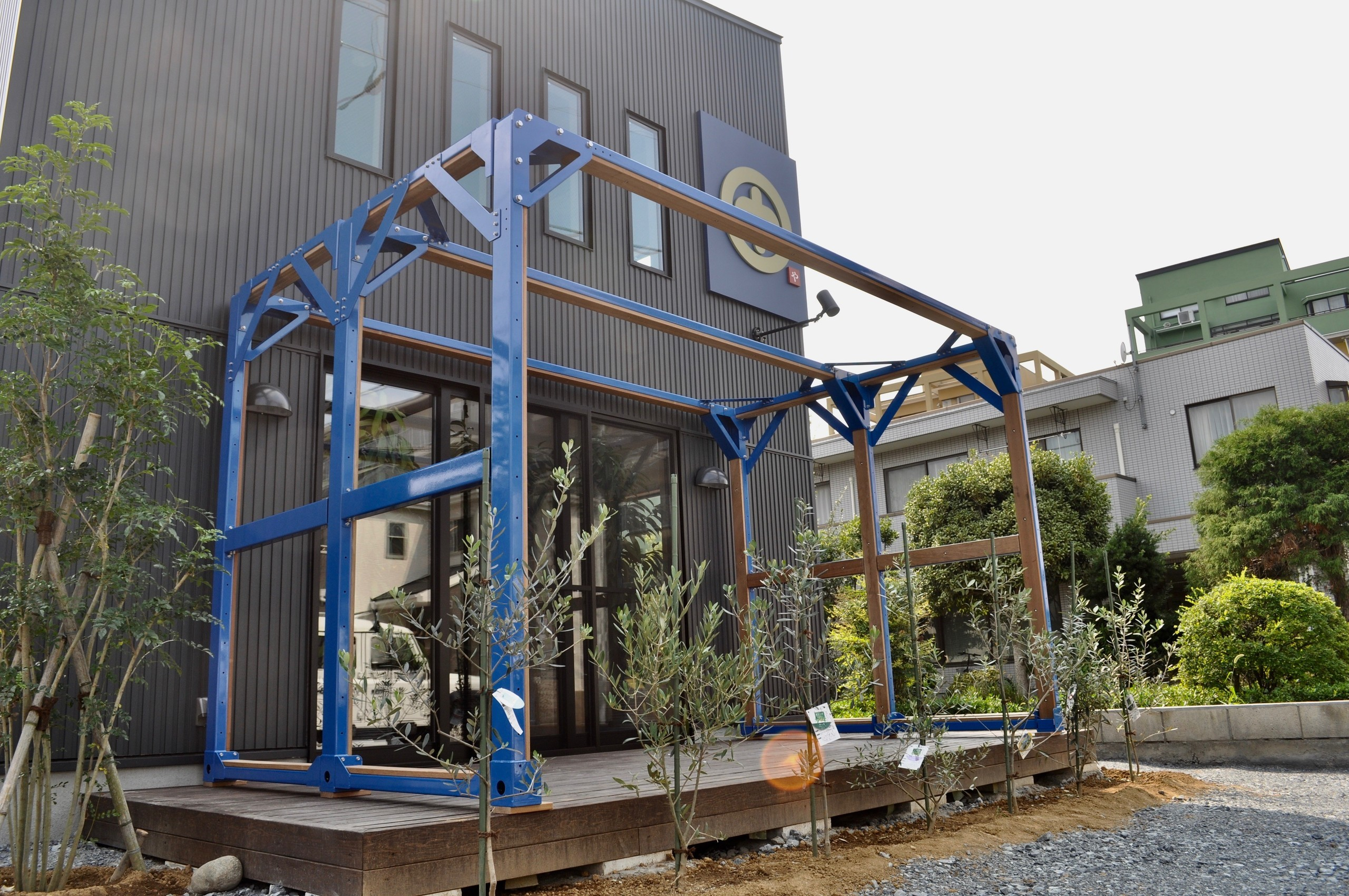 飲食店テラス席に設置した「ハウスインナー®」の建築事例写真