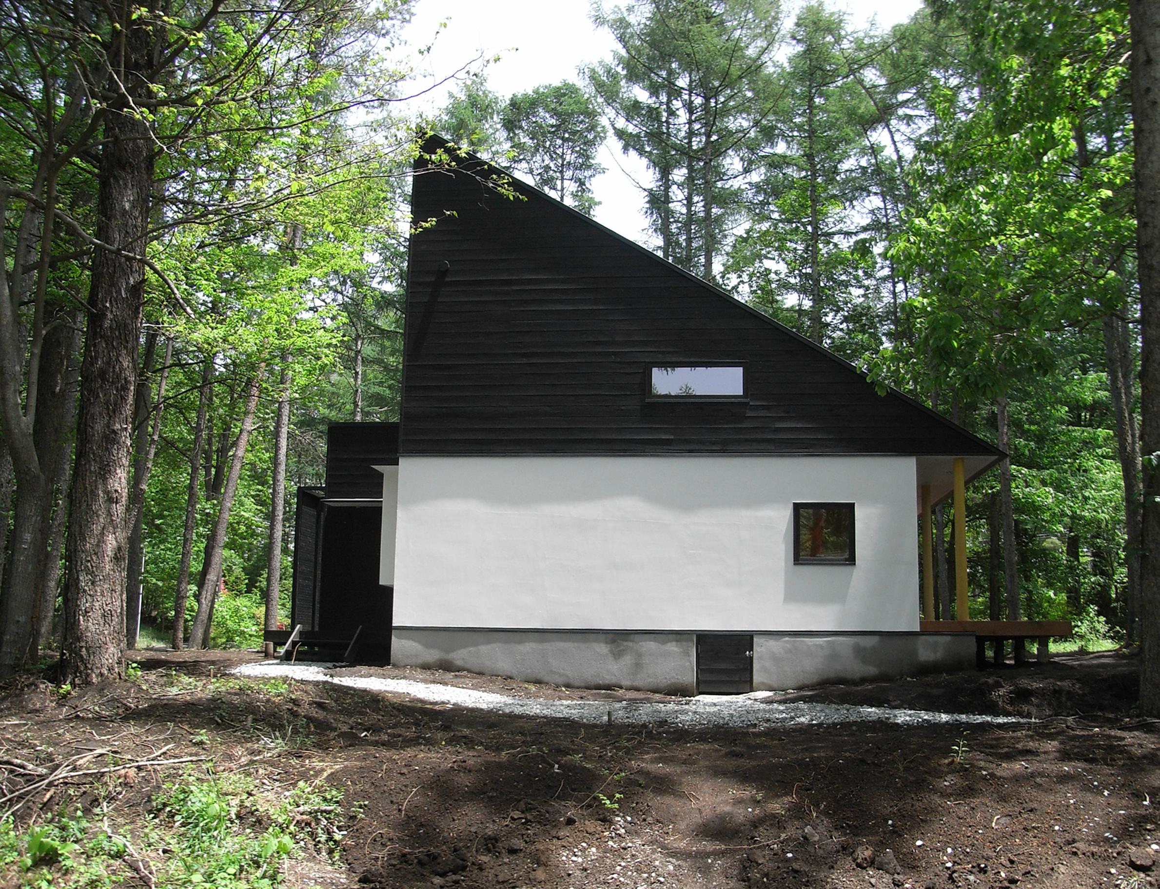 森の中の別荘の建築事例写真