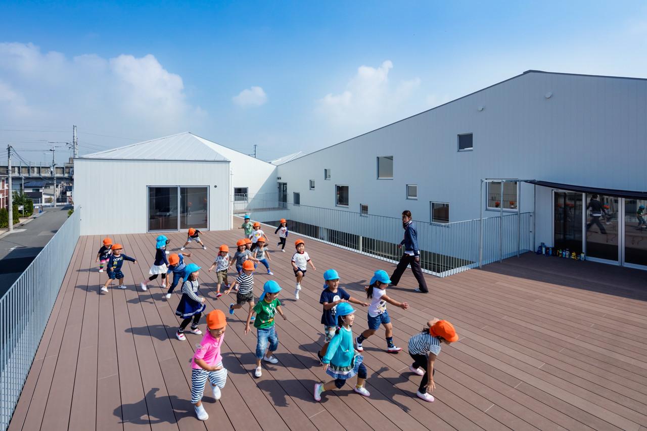 子どもが伸びやかに育つ [ricco保育園]の建築事例写真