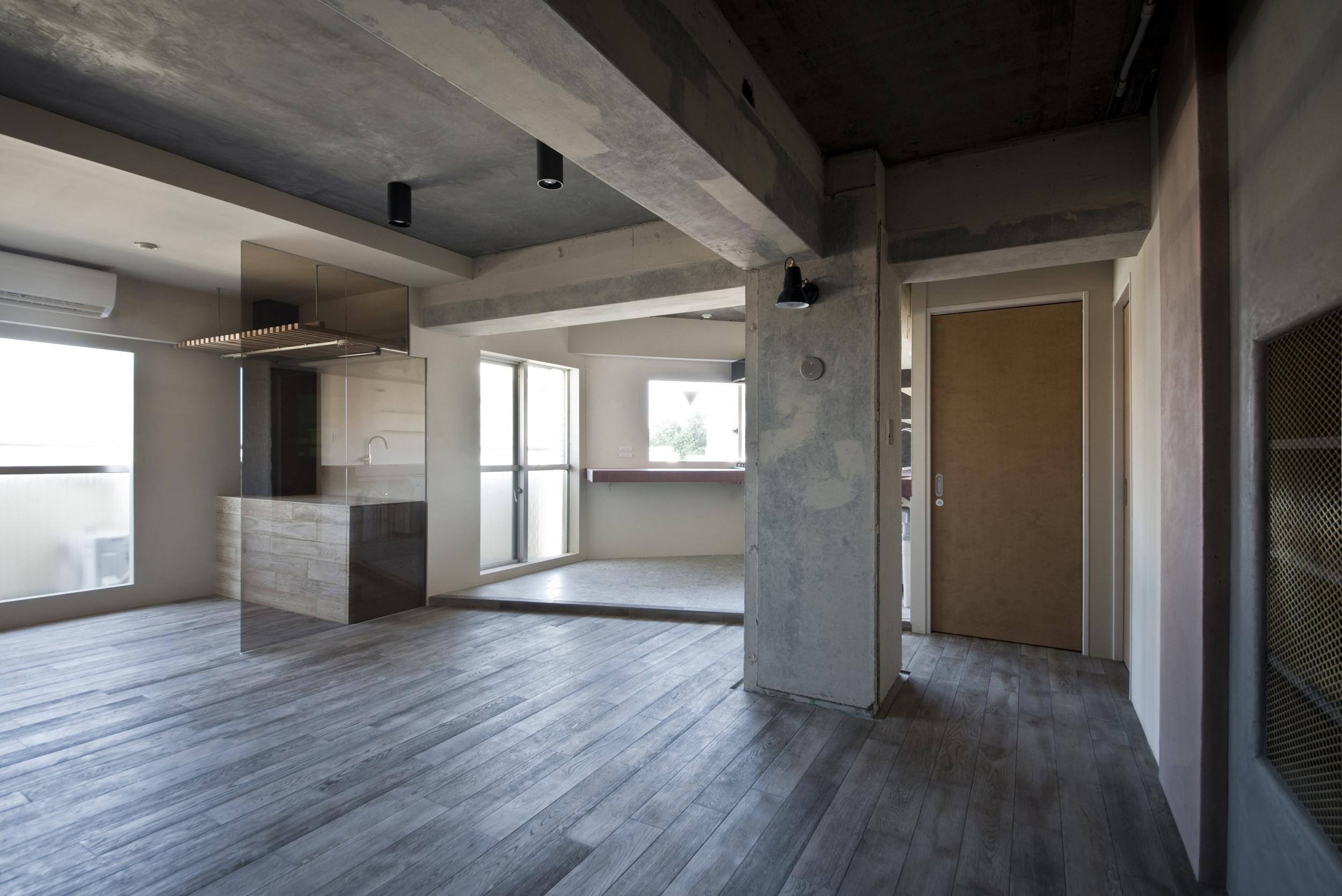 既存を活かした住宅兼レンタルスペースの建築事例写真