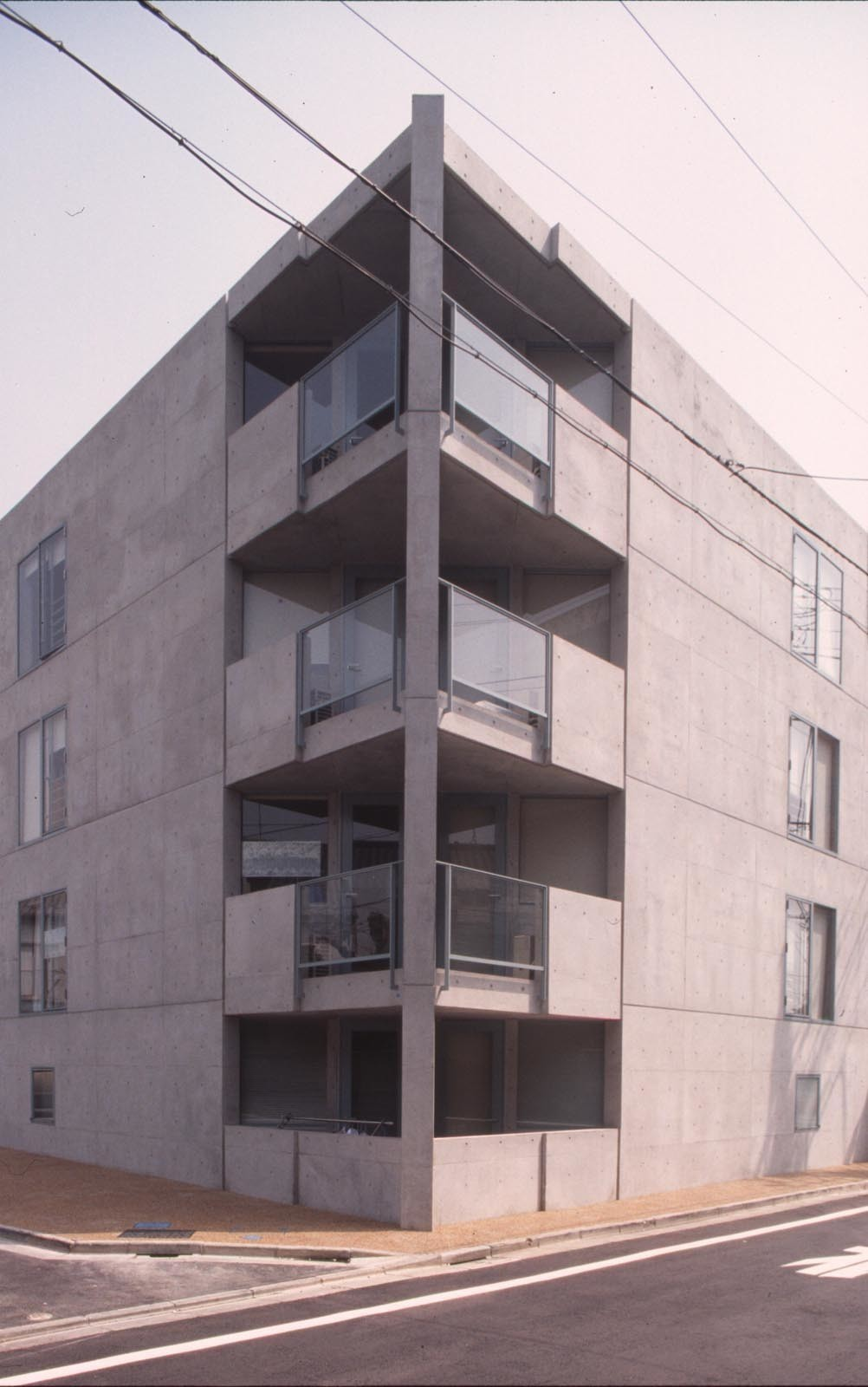 住宅地・超変型敷地の集合住宅_N's HOUSEの建築事例写真