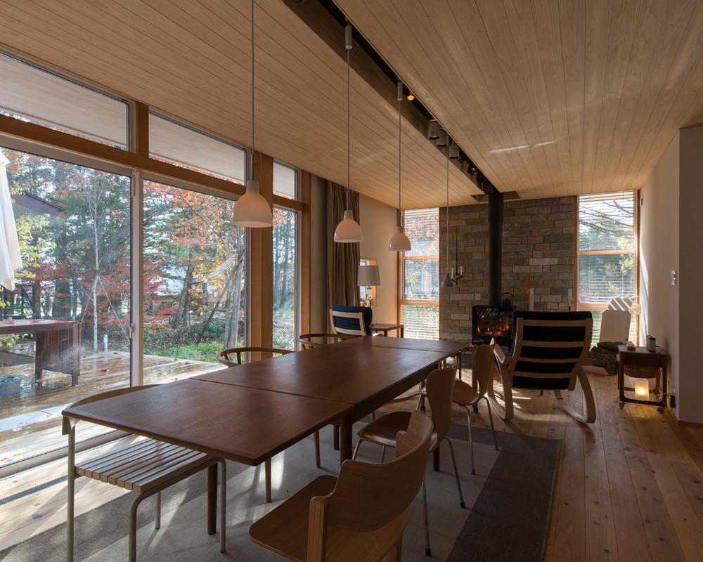 縁側が囲む軽井沢の平屋(長野)の建築事例写真