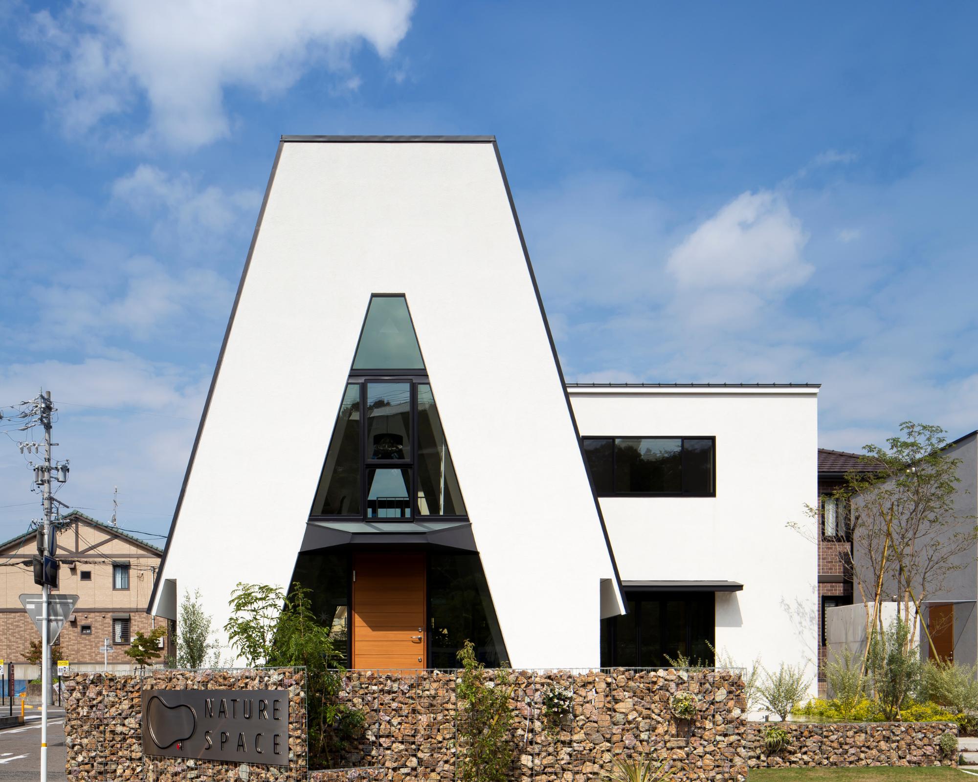 三角の家の建築事例写真
