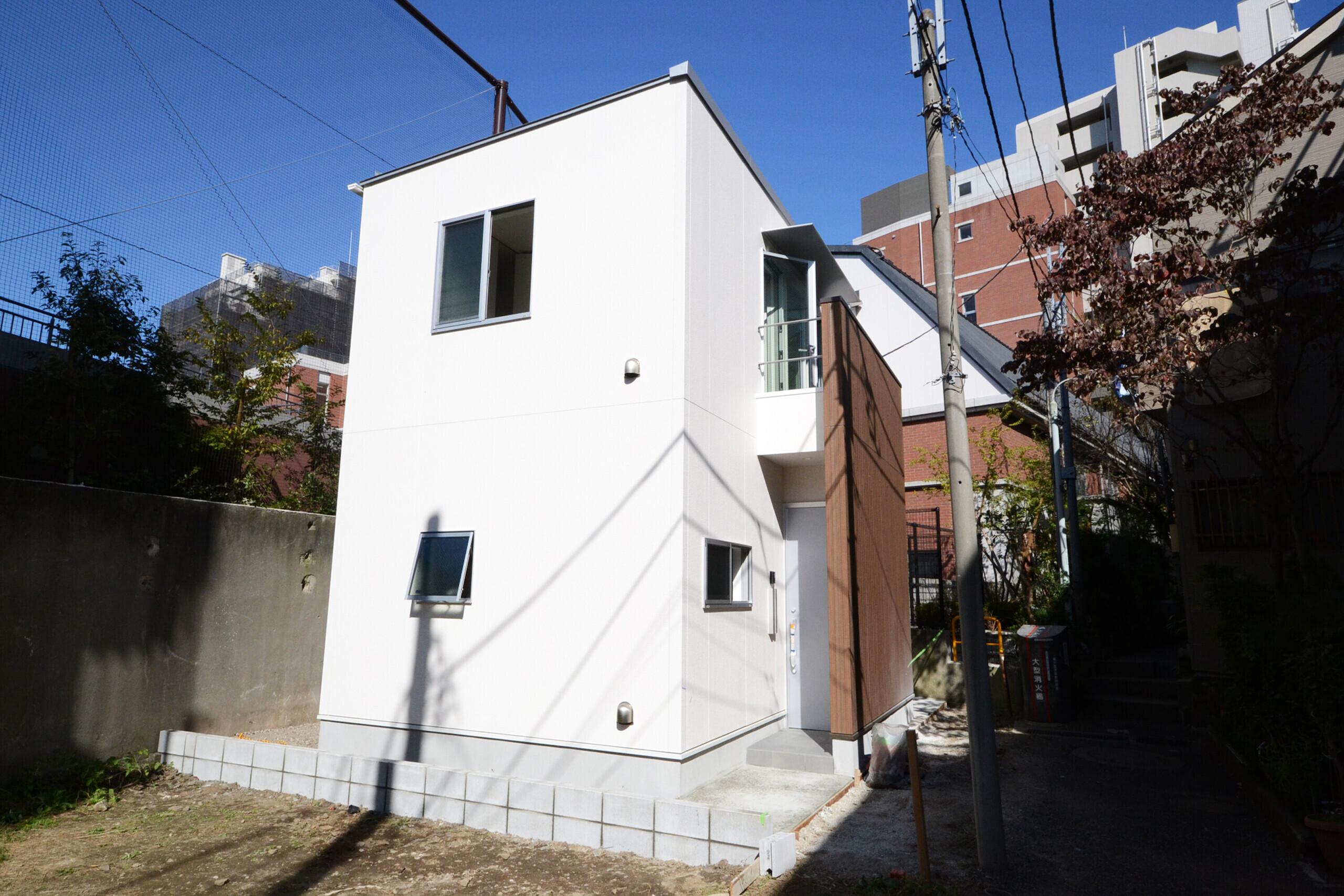 都市型ミニマルデザインハウスの建築事例写真