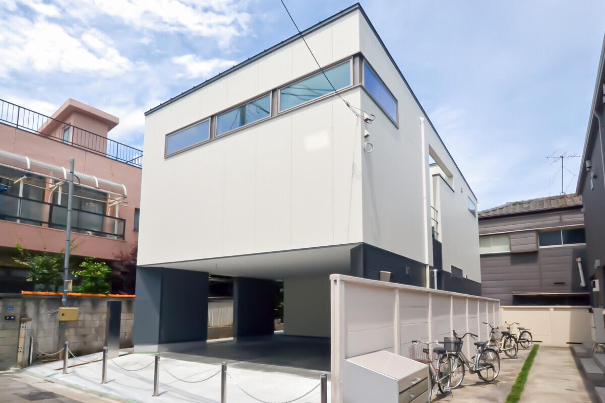 門型フレーム採用 造作家具の光るデザイン住宅の建築事例写真