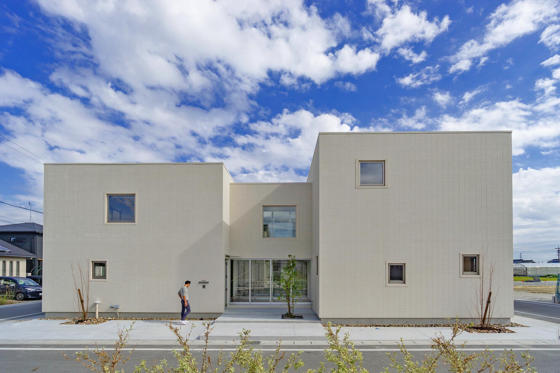 二世帯住宅・鉄骨造+木造の建築事例写真