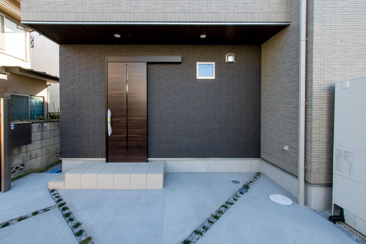 折り上げ天井・総タイルの家の建築事例写真