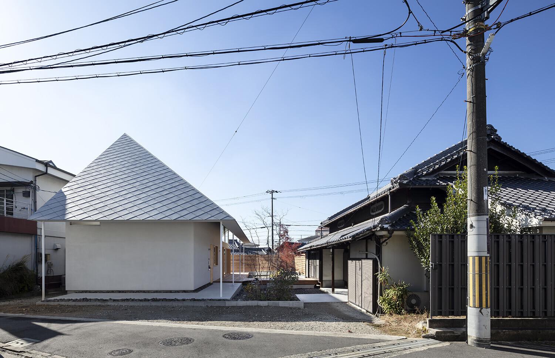菱屋根の家の建築事例写真