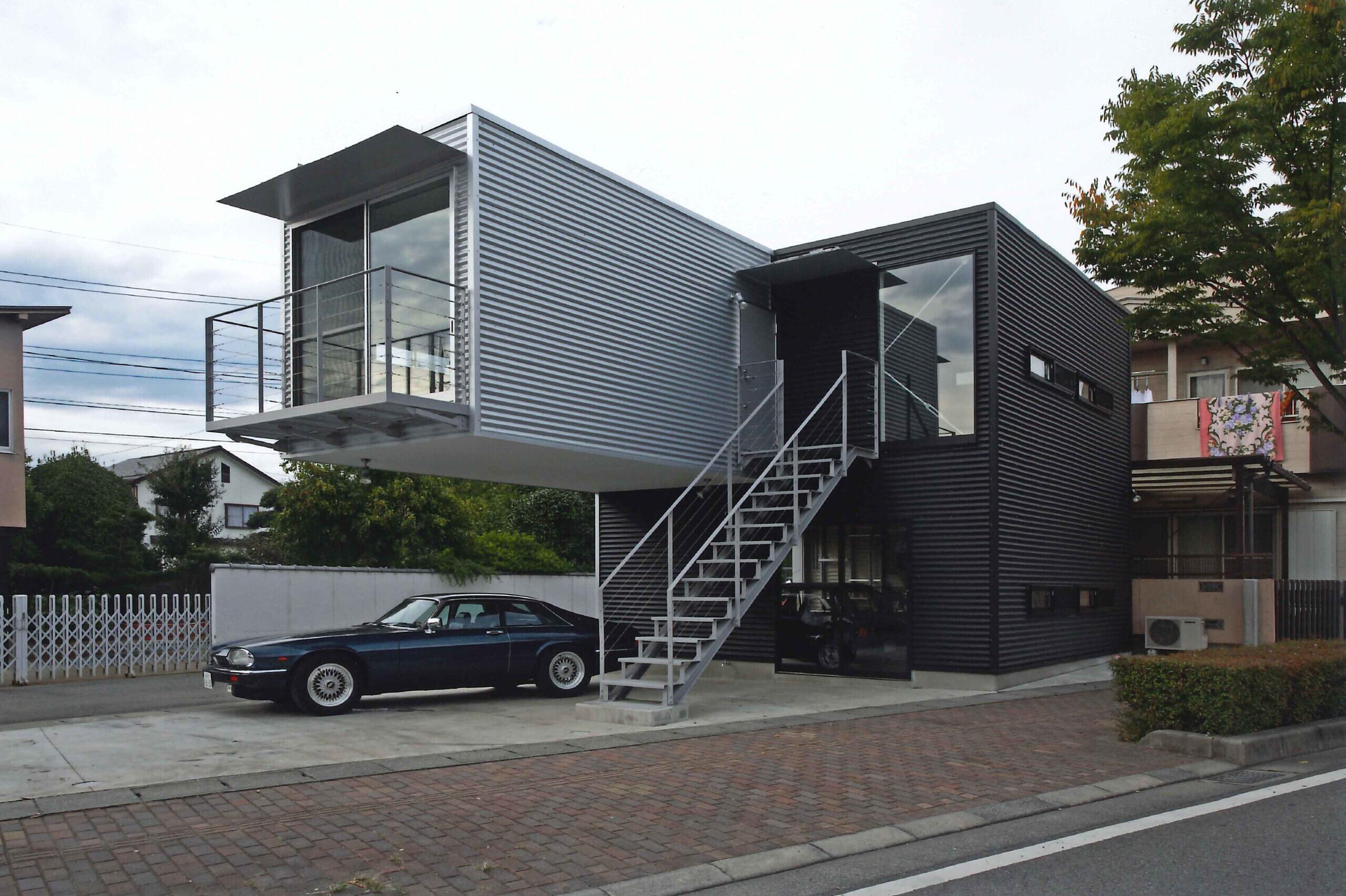 甲府ベース ガレージハウス 単身者用住居の建築事例写真