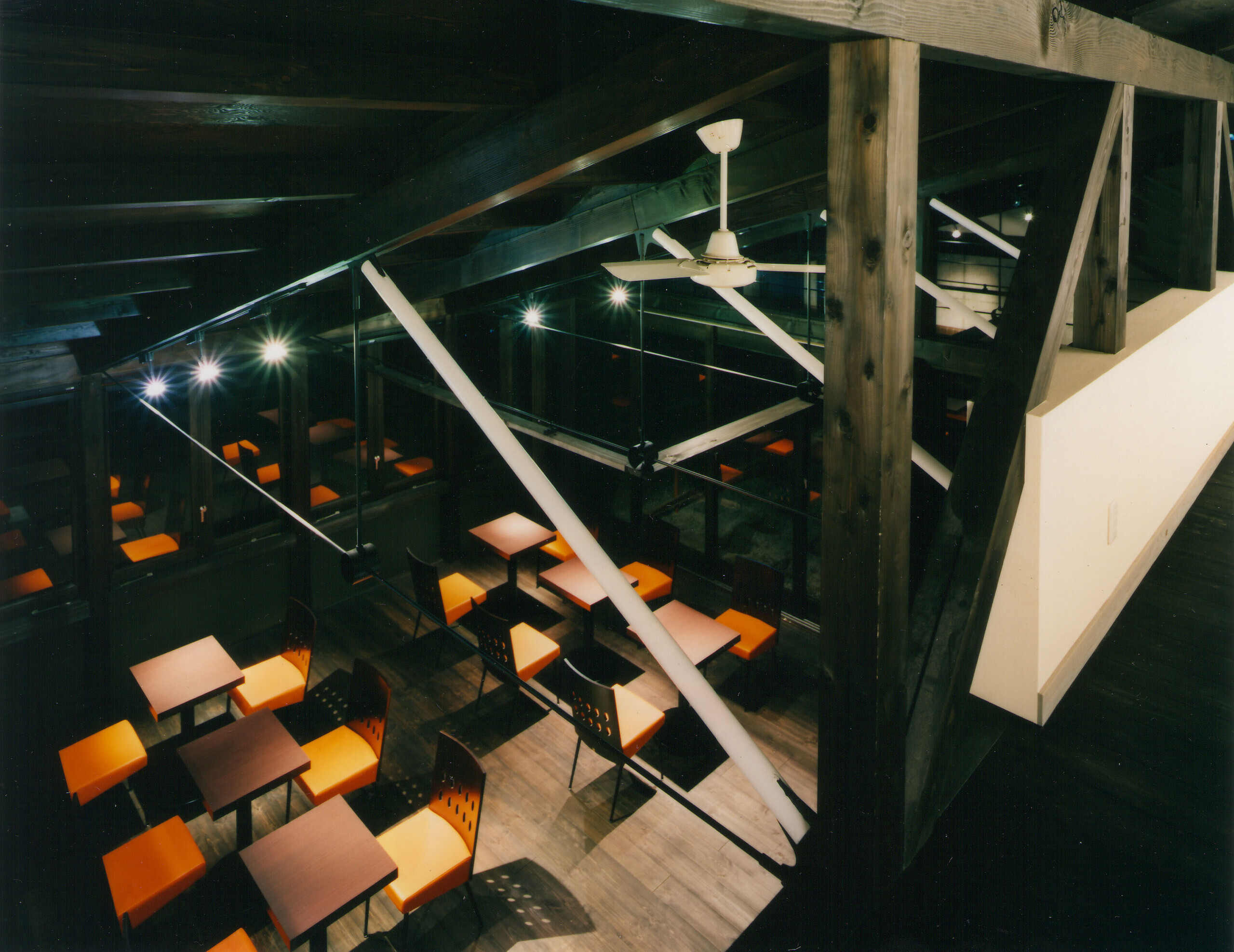愛犬と食事ができるカフェレストランの建築事例写真