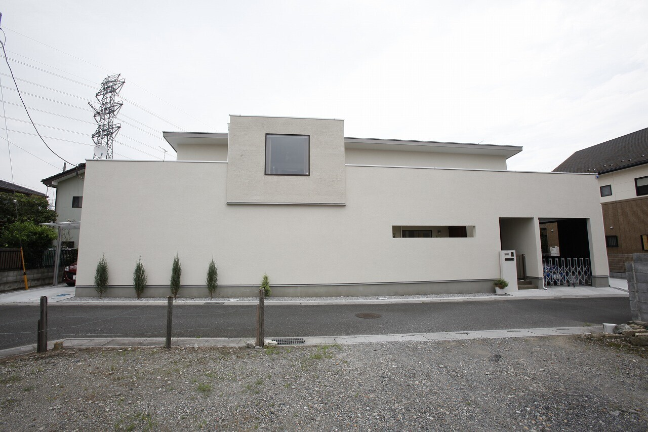 2つの中庭のある家(埼玉県行田市)の建築事例写真