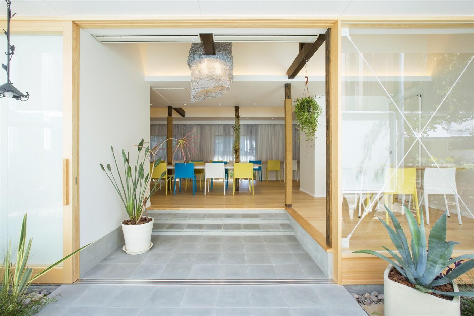 戸建て住宅を社員食堂にコンバージョンの建築事例写真